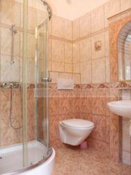 typ łazienki w pokojach nr 1,2,3,4,5,6,7,8