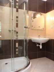 typ łazienki w pokojach nr 9,10,11,12,13,14,15,16,17,18,21