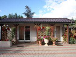 Pole namiotowe i pokoje w Piaskach