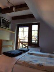 sypialnia małżeńska z balkonem