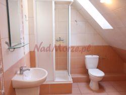 łazienka na korytarzu dla pokoi 3 i 4