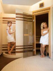 Nasza sauna sucha firmy KLAFS z panelem do hydromasażu