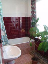 łazienka dla pokojów 3-osobowych i 2-osobowego