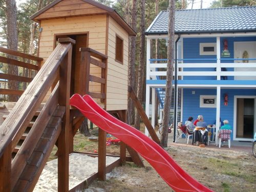 Nowe Domki Piętrowe z mieszkaniami 2-pokojowymi z łazienkami i kuchniami.