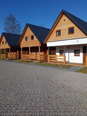 """Domki Letniskowe """"Rowini"""""""