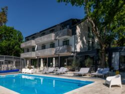 M2 Summer House